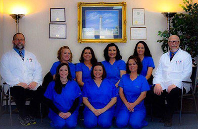 Chiropractor Hattiesburg MS David Peavy With Staff